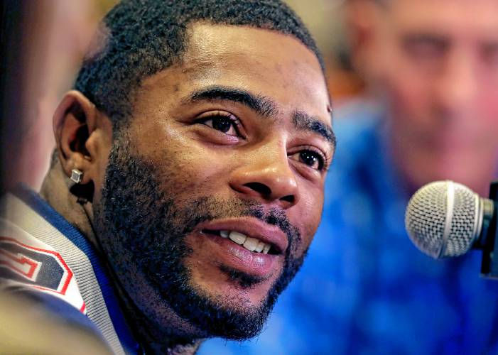 Malcolm Butler signs restricted free agent tender with New England
