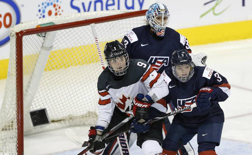 Teen Cayla Barnes youngest player on USA women's hockey team
