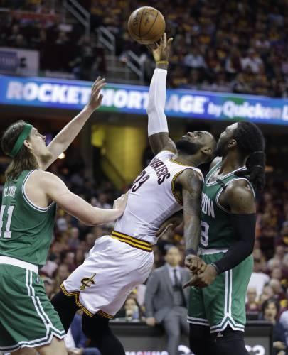 Bradley's 3-pointer gives Celtics 111-108 win over Cavs
