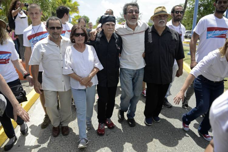 Former Prisoners, From Left, Luis Alberto Torres, Carmen Valentin, Oscar  Lopez Rivera, Luis Rosa And Adolfo Matos, Welcome Puerto Rican Nationalist  Lopez To ...