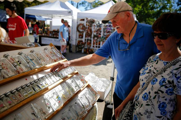 155 artists share their craft at old deerfield fair for Old deerfield craft fair