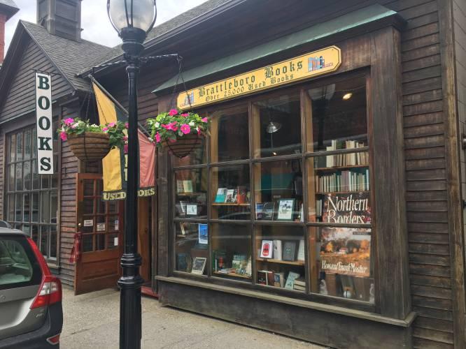 Bildergebnis für small bookstore