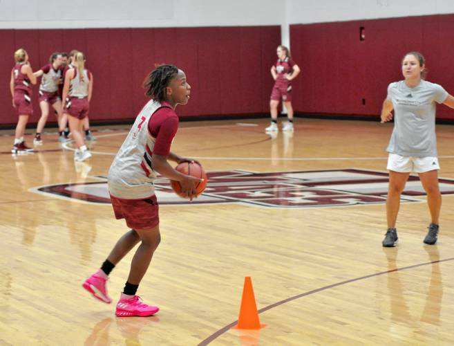 UMass women's basketball team looks to grow on Portugal trip