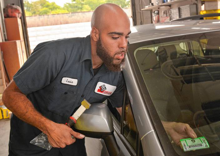 Garages Dealing With Glitches Of New Vehicle Inspection Technology