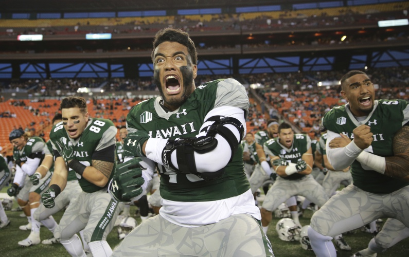 Umass And Hawaii Open With A Rematch Of Their Classic November Showdown