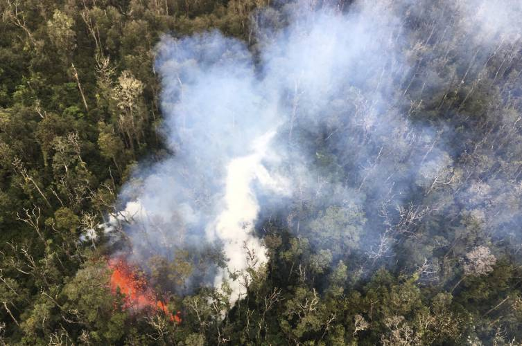 Living on Hawaii volcano offers affordable paradise, risks