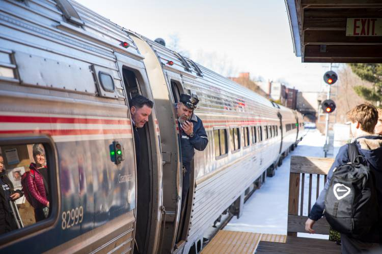 Passenger rail ridership continues to climb on Valley line