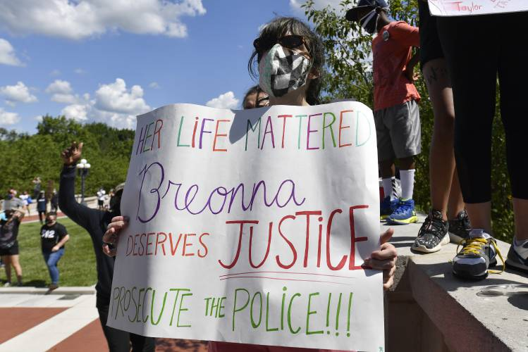 Obstacles To Charging Police In Breonna Taylor Case