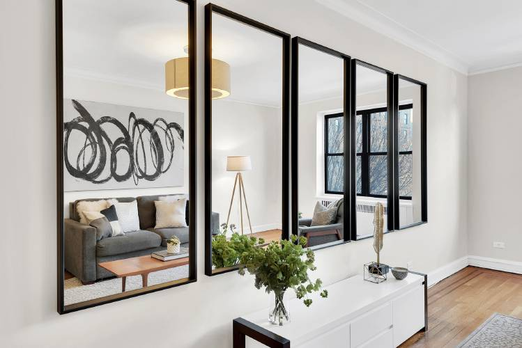 Don Ts Of Hanging Pictures Mirrors, Living Room Mirrors