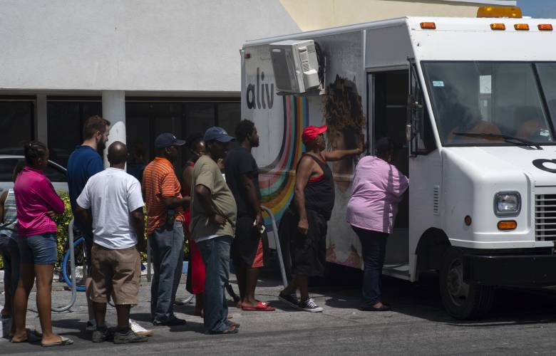Government lists 2,500 missing in Bahamas