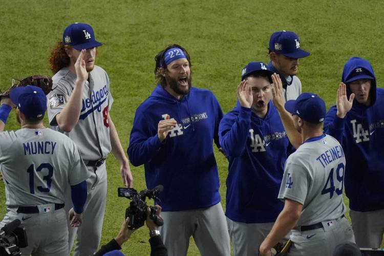 Dodgers 1 Win From Title After 32 Years And More Than 3 6b