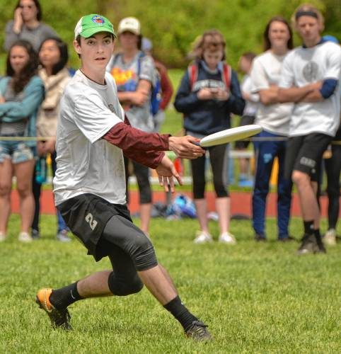 27th Amherst Ultimate Invitational Hurricanes Reclaim Boys Title In