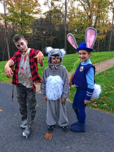 foto de Home-sewn Halloween costumes a tradition