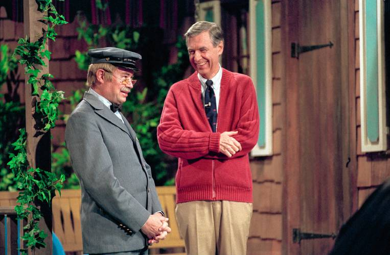 Won T You Be My Neighbor Webs Yarn Makes Debut In New Mister Rogers Movie