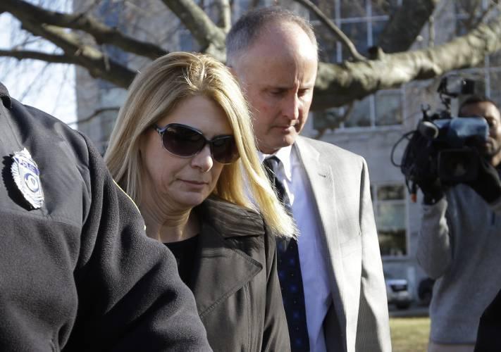Michelle Carter Parents >> Woman Begins Jail In Texting Suicide Case