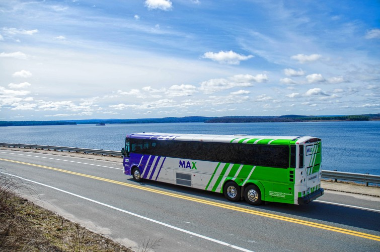 Max Bus Offers New Service To Boston
