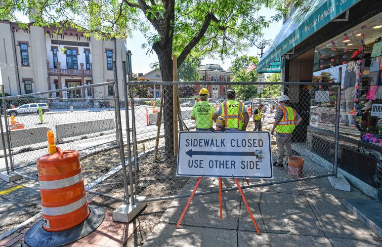 Transformation of cracker barrel alley in northampton begins a temporary sidewalk detour is set up on main street at crackerbarrel alley in northampton while renovations are being made to transform the alley from a solutioingenieria Image collections