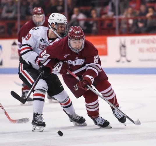 Hockey East: Brett Boeing's Summer Work Paying Off For UMass