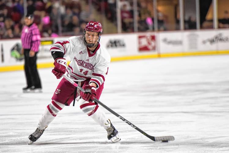 UMass trying to keep momentum heading into Hockey East playoffs