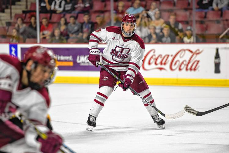 UMass hockey returns to action with road games vs Yale c7585607b