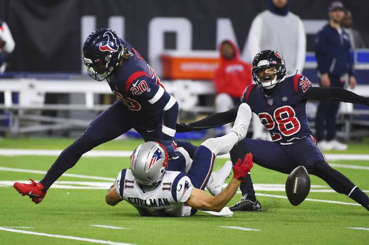 Image result for frustrated tom brady against texans