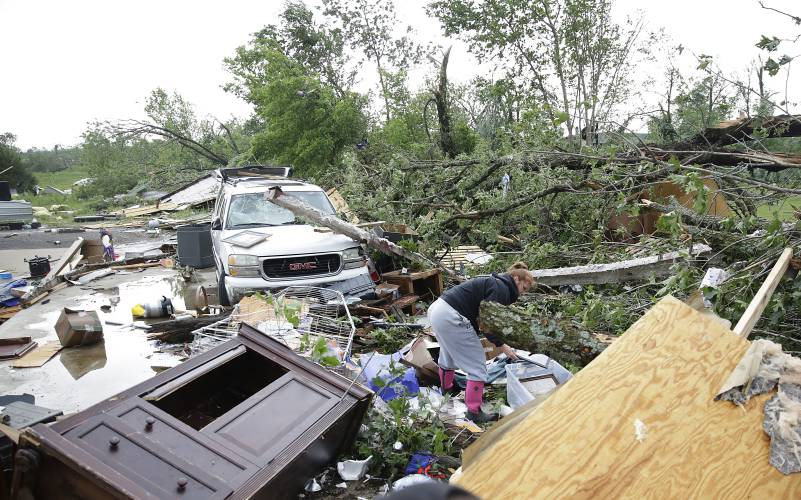 Storms in Midwest leave flooding