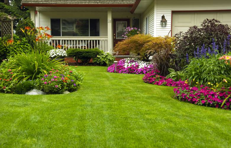 Homeowners Giving Front Yards The Custom Treatment With Beds