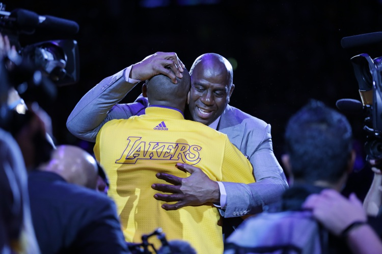 728782fb4ee Kobe scores 60 points in unbelievable farewell victory